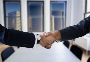 Uścisk dłoni - wiarygodność kredytowa